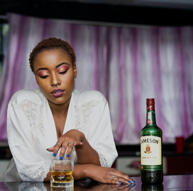 jak pomoc alkoholikowi